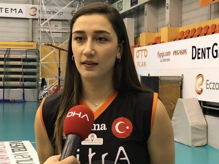 """Eczacıbaşı VitrA'nın smaçörü Hande Baladın: """"Ülkemizde bayan sporlarının popülaritesi erkek sporlarına göre daha az"""""""