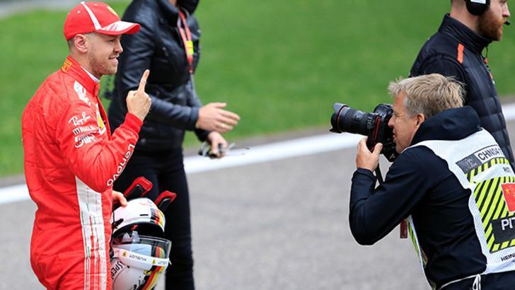 Sebastian Vettel Çin Grand Prix'ine ilk sırada başlayacak