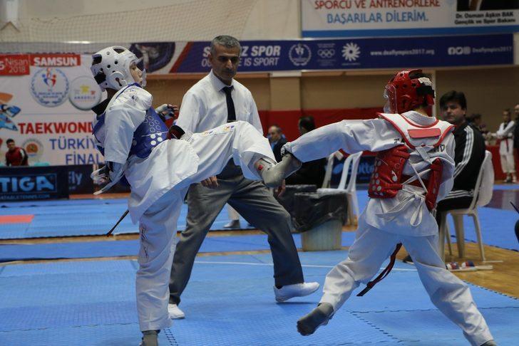 Anadolu Yıldızlar Tekvando Türkiye Şampiyonası Samsun'da başladı