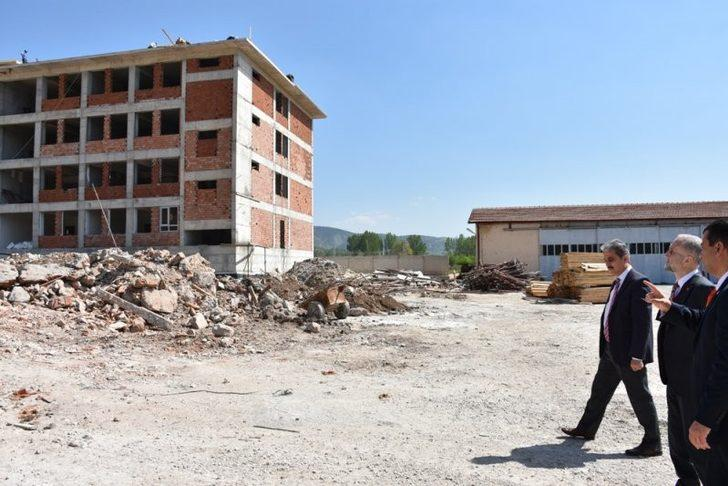 Gölpazarı Anadolu İmam Hatip Lisesi ve pansiyon binası inşaatı devam ediyor