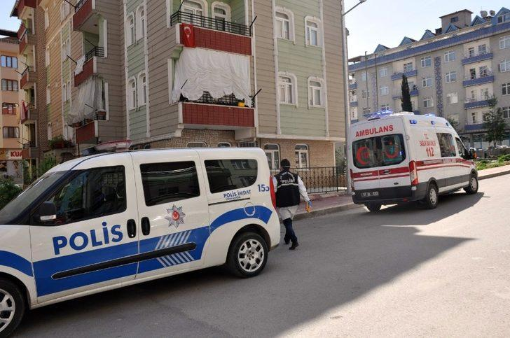 Sinop'ta 2 genç evlerinde ölü bulundu