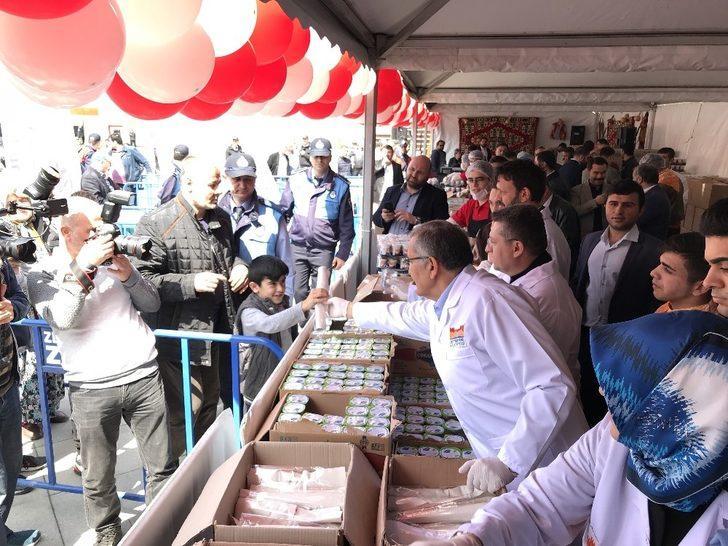 Zeytinburnu'nda vatandaşlar çiğ köfteye doydu
