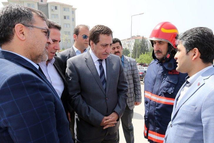 Bursa'da hastanedeki yangın 1.5 saatte kontrol altına alındı (5)