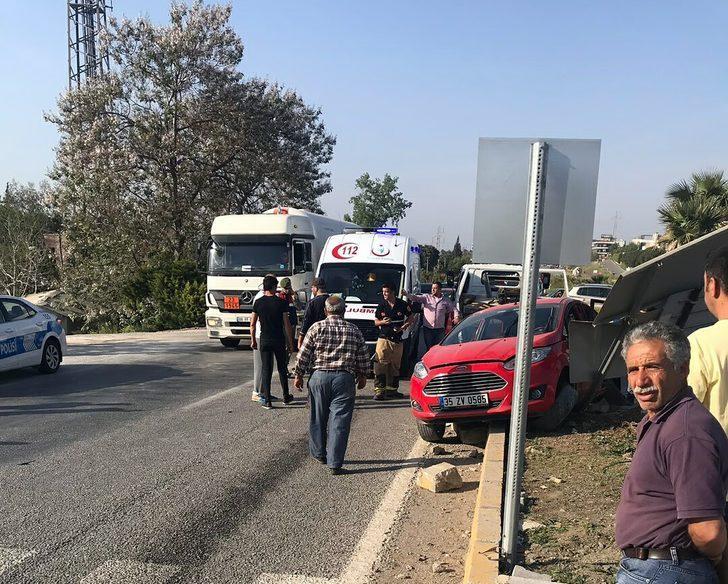 İzmir'de trafik kazası: 3'ü çocuk 6 yaralı