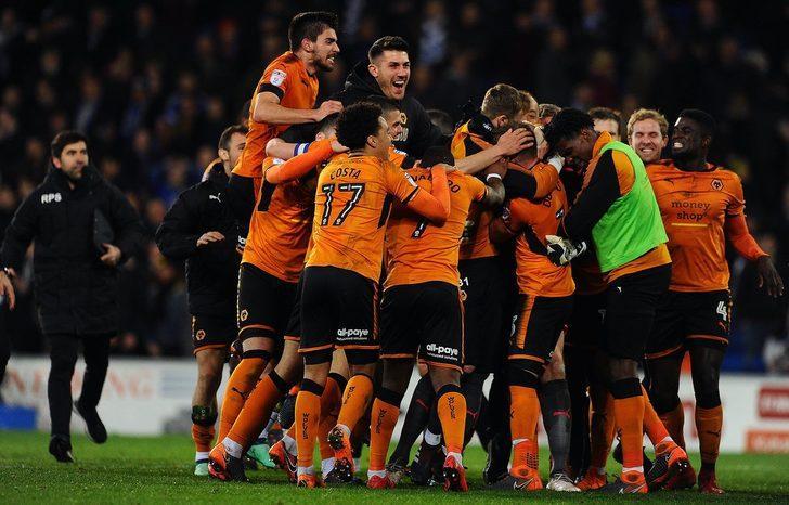 Premier Lig'e ilk bilet Wolverhampton Wanderers'ın