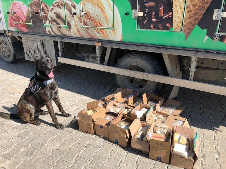 Van'da, dondurma kutularında 80 kilo eroin çıktı