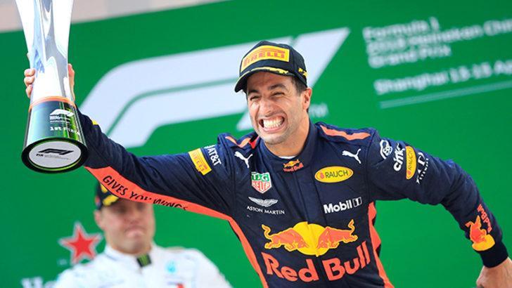 Formula 1 Çin Grand Prix'ini  Daniel Ricciardo kazandı