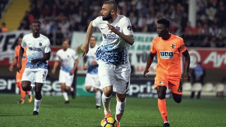 Burak Yılmaz, sakatlığı nedeniyle Osmanlıspor maçının kadrosundan çıkarıldı