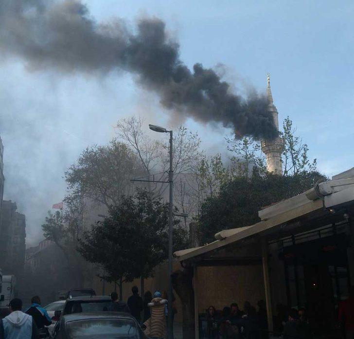 Teşvikiye Camii'nde yangın çıktı-1