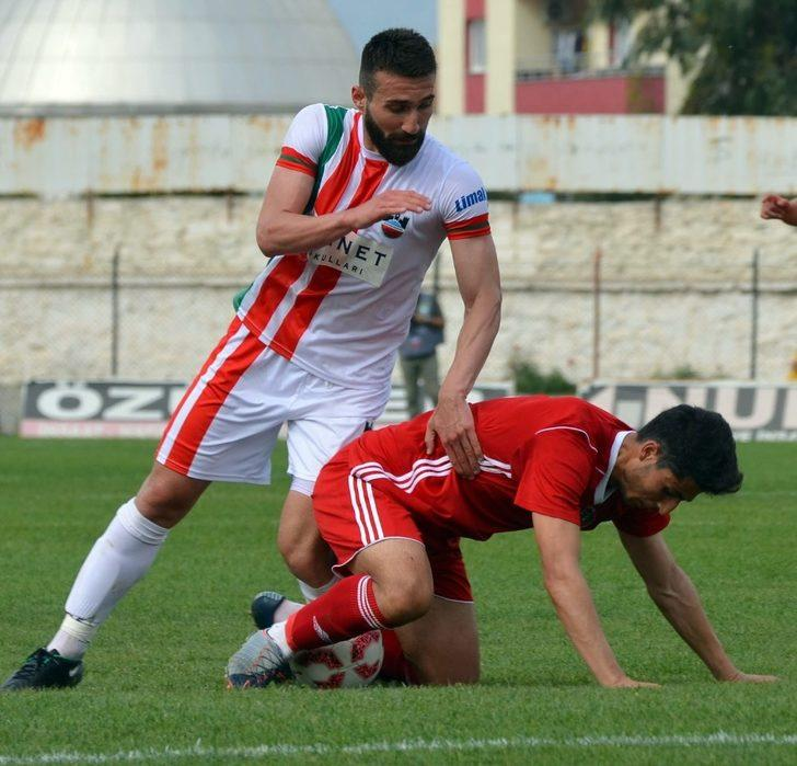 TFF 3. Lig: Turgutluspor: 1 - Diyarbekirspor: 4