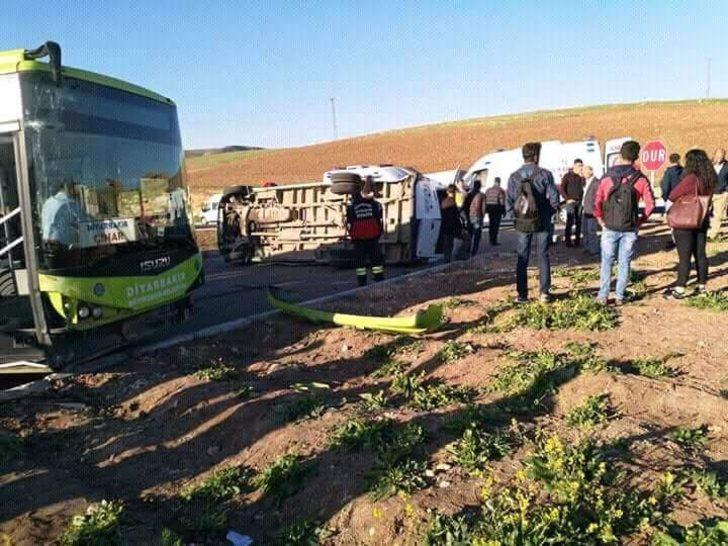 Tarım işçisi kadınları taşıyan minibüs ile otobüs çarpıştı: 10 yaralı