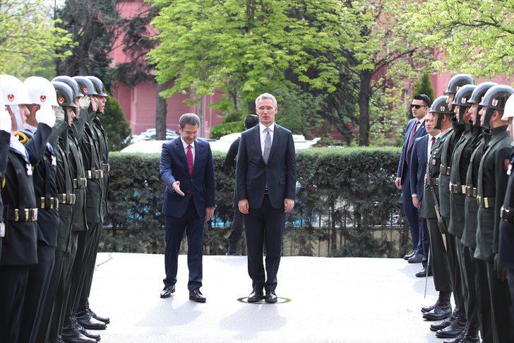 Turquie : Le ministre de la Défense reçoit Stoltenberg