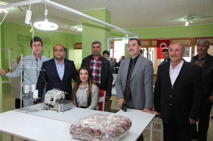 Kadın girişimci tekstil atölyesi açtı