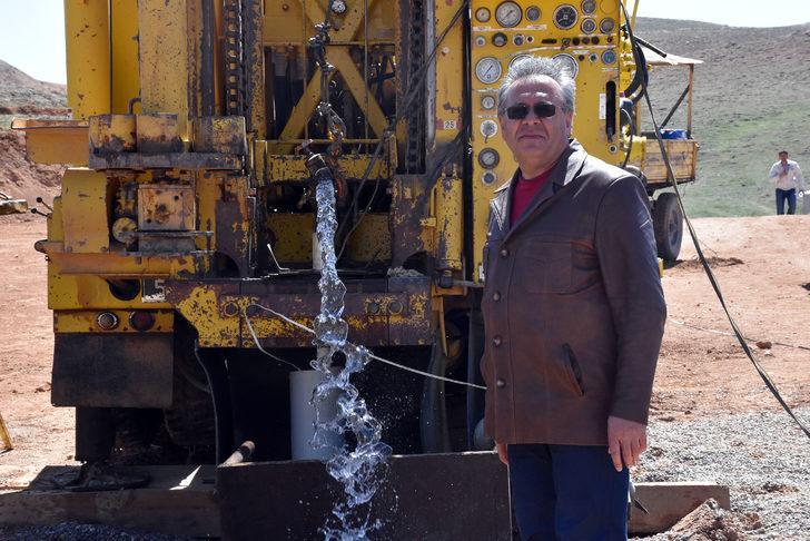 Altınyayla'ya 100 yıl yetecek su bulundu