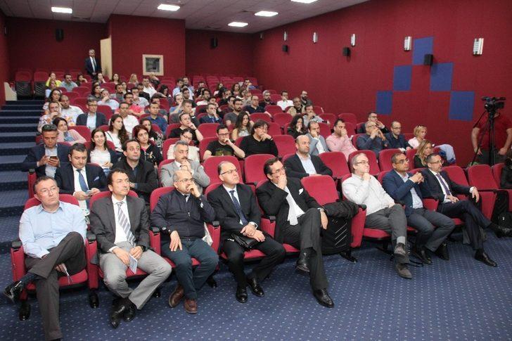 Adana'da Skolyoz hastalıkları toplantısında uzmanları buluştu