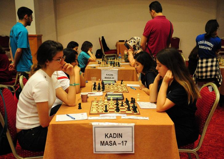 Üniversitelerarası Türkiye Satranç Şampiyonası başladı