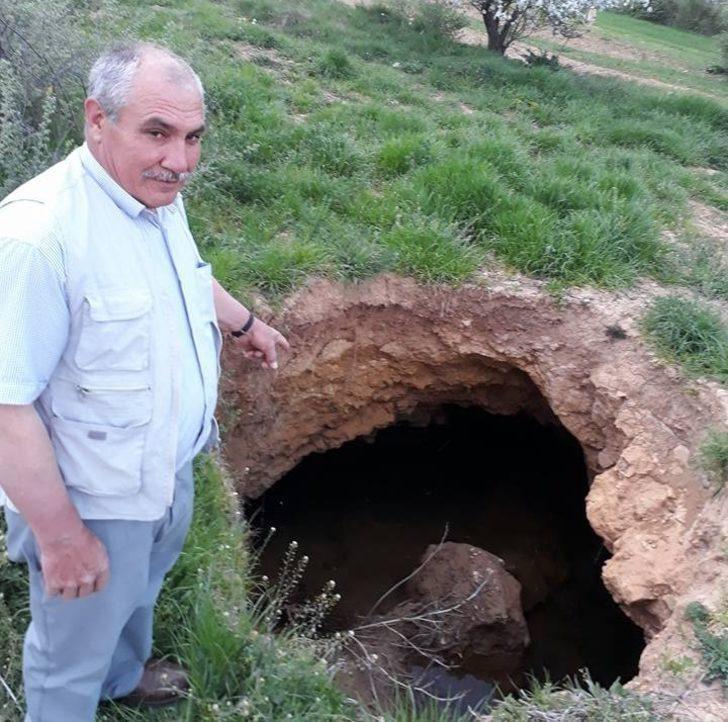 Hisarcık'ta esrarengiz çukur ilgi odağı