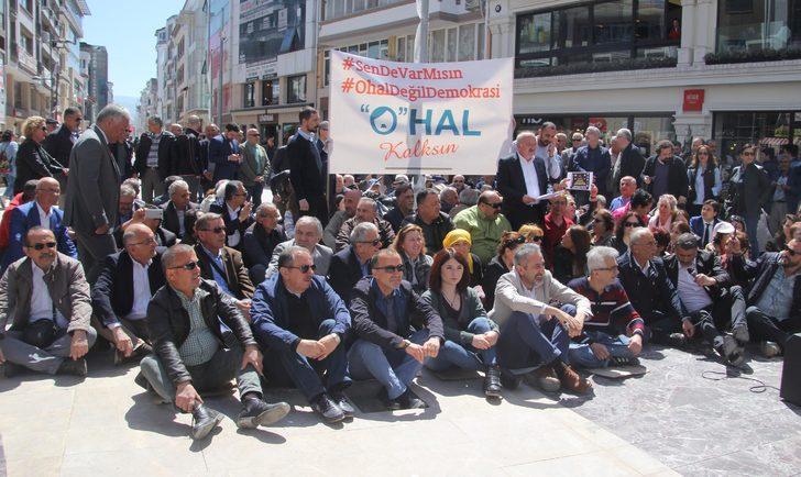 Ordu'da CHP'lilerden OHAL'e karşı oturma eylemi