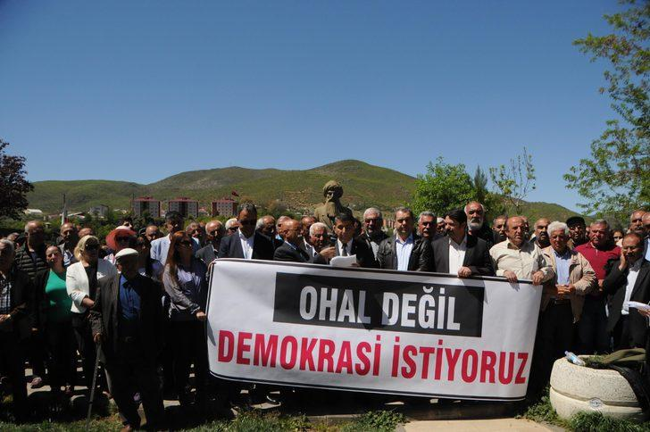 Tunceli'de 'OHAL değil, demokrasi istiyoruz' eylemi