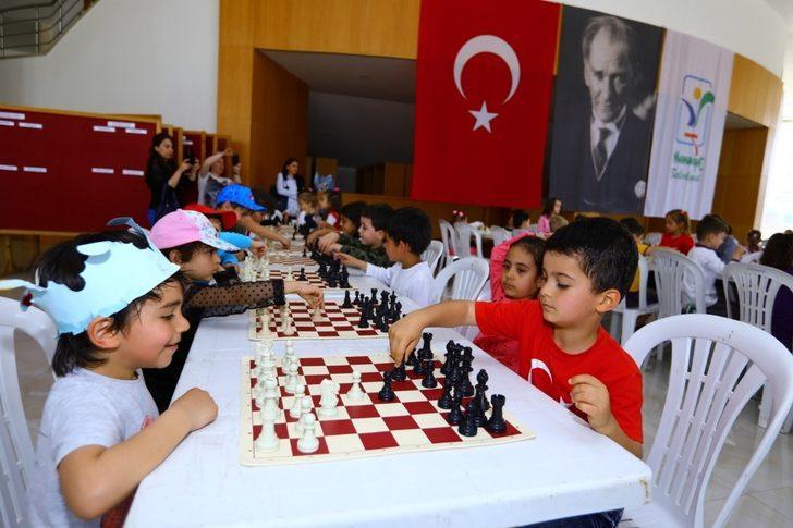 Manavgat'ta 23 Nisan satranç şenliği