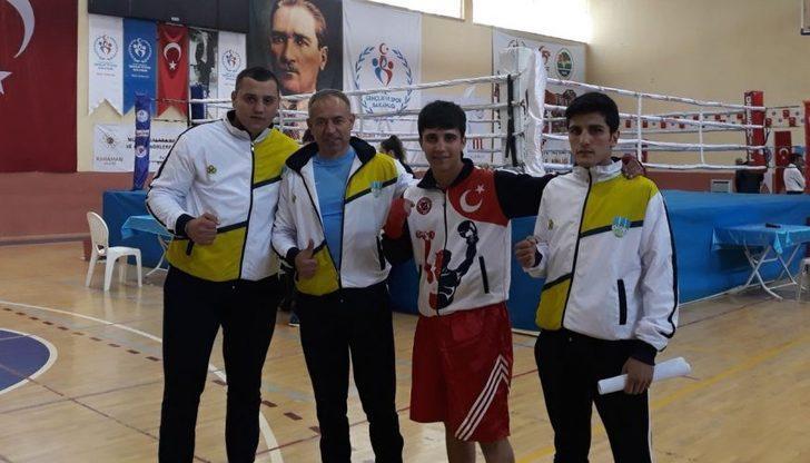 KBÜ'lü öğrenciler boksta Türkiye ikincisi oldu