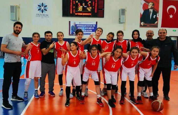 Vanlı basketbolcular Türkiye finallerinde