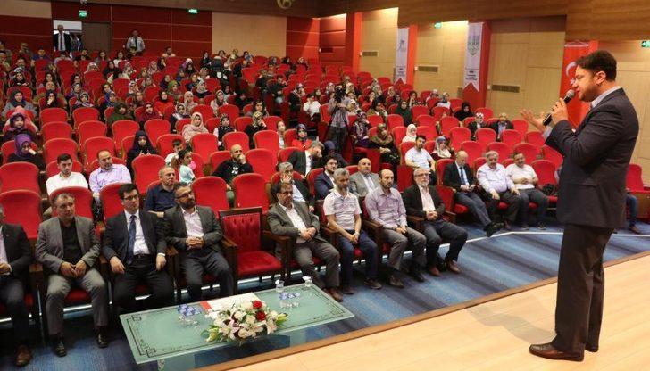 """Karabük Üniversitesi'nde """"Hz. Peygamberi yeniden düşünmek"""" konferansı"""