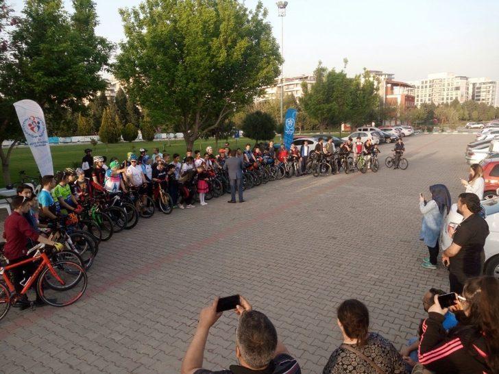 Manisa'da gençlere bisikleti sevdirecek proje