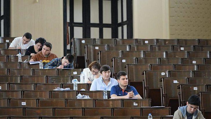 Açıköğretim sınavında skandal soru! Eski CHP milletvekili Onur o soruya ateş püskürdü!