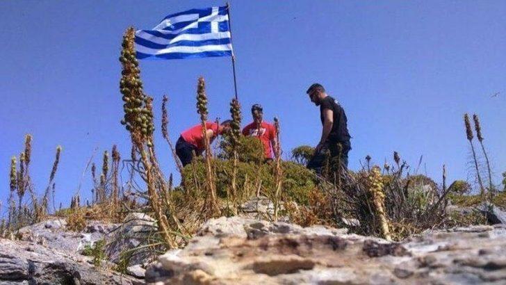 Atina 'Yunanistan bayrağı indirildi' açıklamasını yalanladı