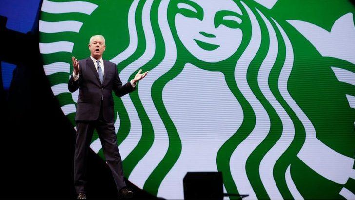 Starbucks CEO'su: Müşterileri gözaltına aldıran müdür artık görevde değil