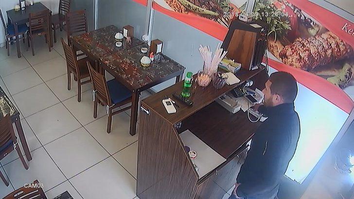 Dürüm yediği lokantanın kasasını soydu