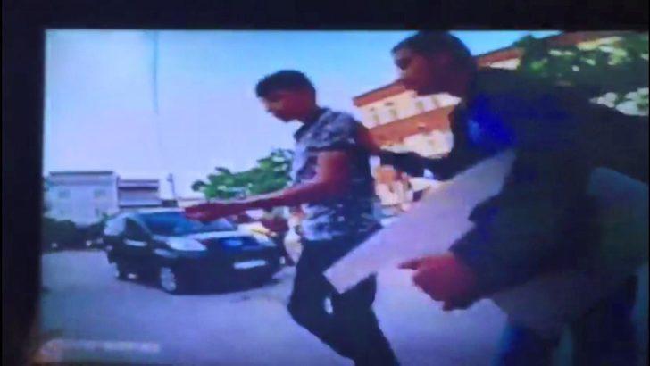Ortaokul öğrencilerinin bıçaklı omuz atma kavgası: 1 yaralı