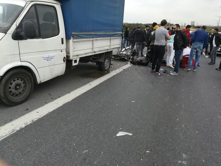 TEM de kamyonete çarpan motosikletin sürücüsü öldü