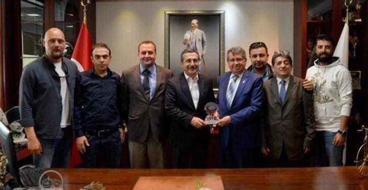 TSYD'den Ataç'a ziyaret
