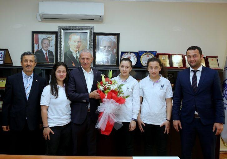 Özel Şahin Sağlık Meslek Lisesi'nden Başkan Dişli'ye ziyaret