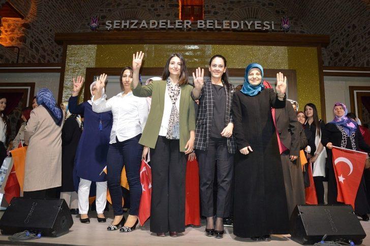 AK Parti Şehzadelerde Tülay Şentürk güven tazeledi