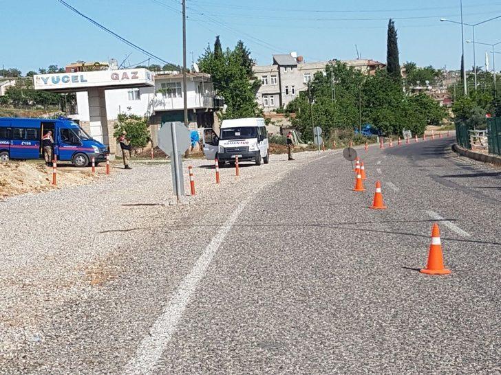 Jandarma ekiplerinden yol uygulaması