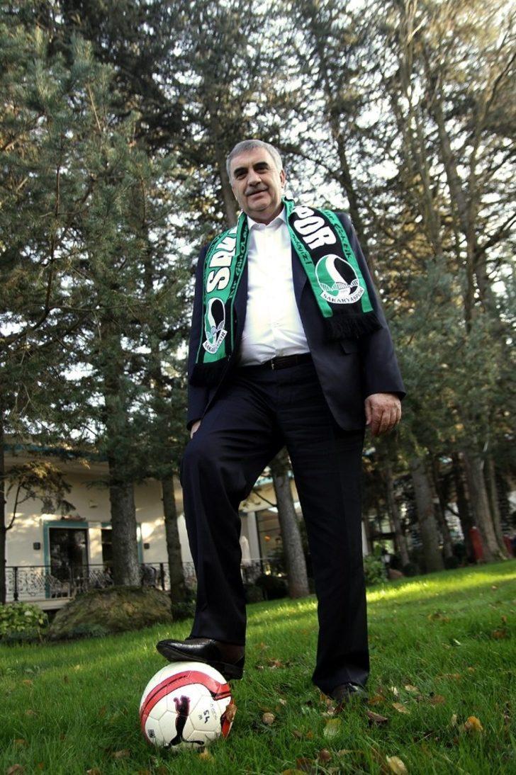 Başkan Toçoğlu'ndan Sakaryaspor'a 520 bin liralık destek