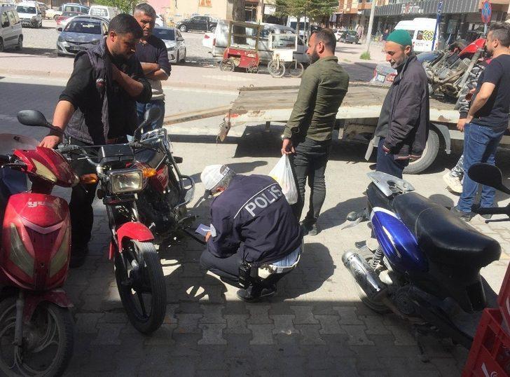 Kulu'da hurdaya ayrılan ve tescilsiz motosikletler toplanıyor
