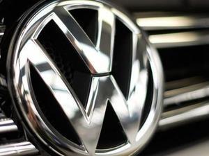 Otomobil devi Volkswagen 70 yıllık logosunu değiştiriyor