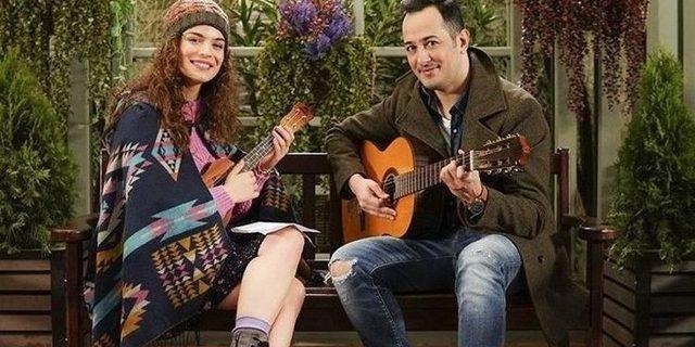 Aslı Bekiroğlu: 'Gözünün içine bakıp şarkı söylemek zordu'