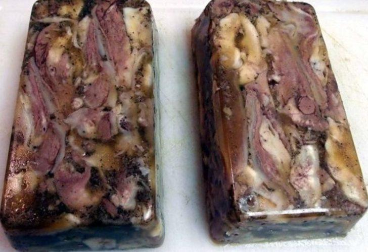 Jöleli geyik burnu: Oldukça popüler bir Alaska yemeği.