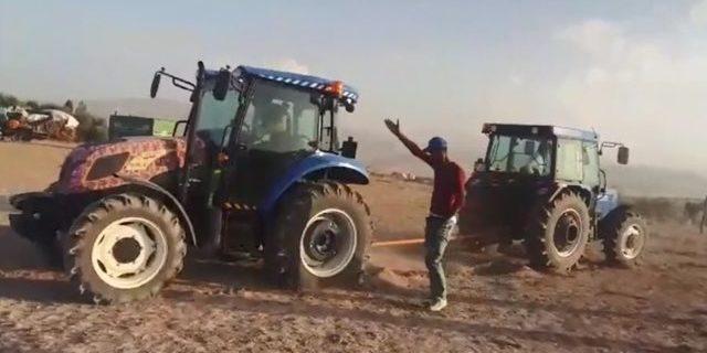 Ağrı'da traktörler üzerinde güç denemesi yaptılar