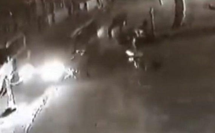 Motosiklet ile ticari araç çarpıştı: 1 ölü