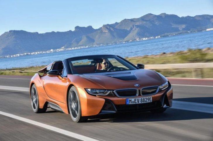 BMW i8 Roadster geliyor