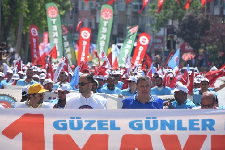 Edirne'de halaylı 1 Mayıs kutlaması