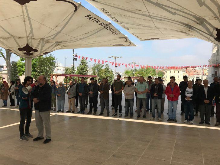 """""""Antikapitalist Müslümanlar ölen işçiler için gıyabi cenaze namazı kıldı"""