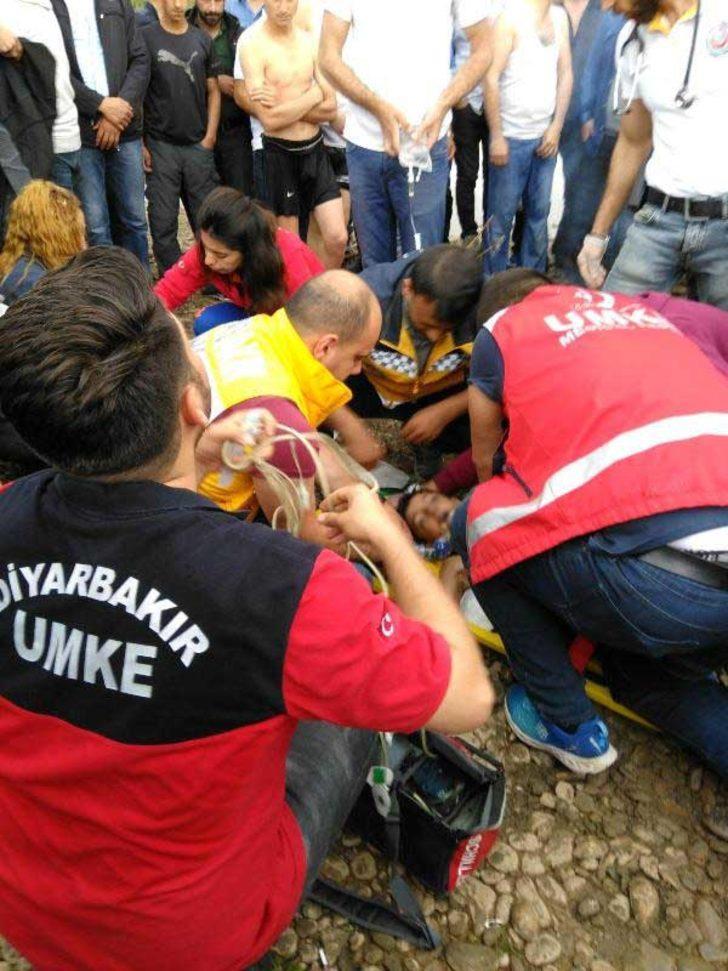 8 yaşındaki Rahmi, Dicle'de sürüklenen köpeği kurtarmak isterken boğuldu