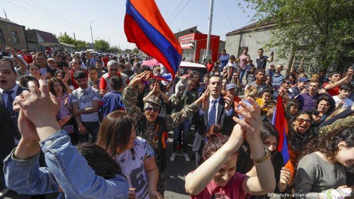 Paşinyan'ın çağrısıyla eylemciler Erivan'da grev yapıyor